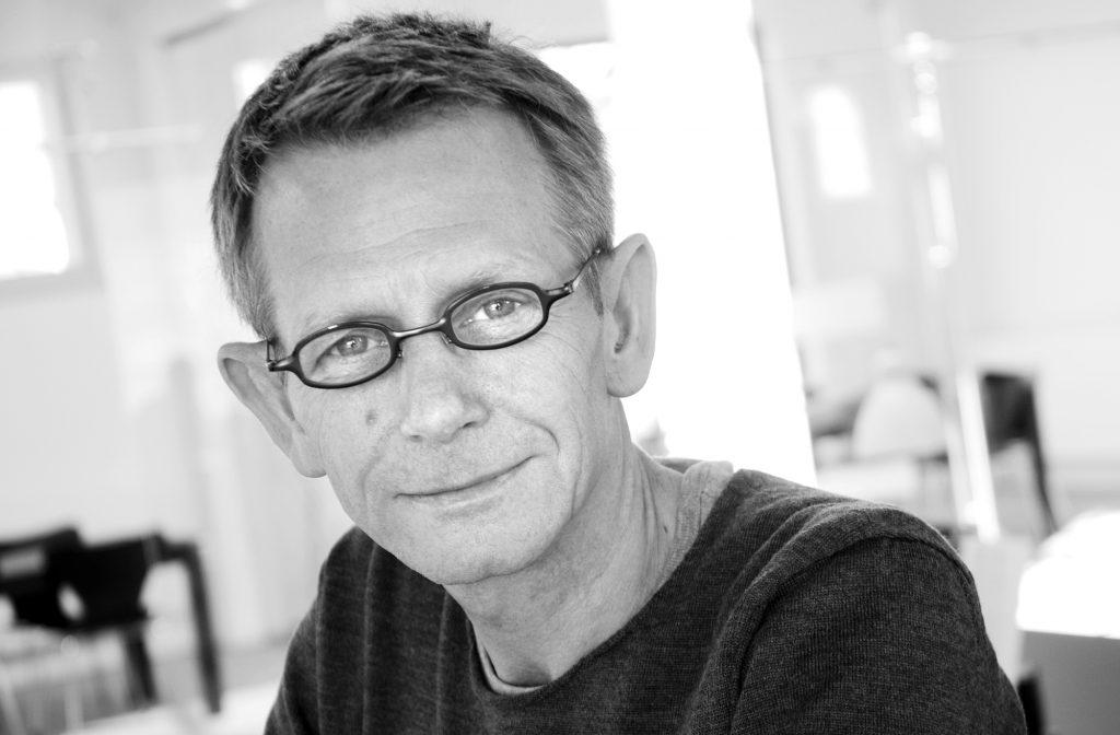Idémand og ejer af Tækker Group, Jørn Tækker, bruger kunstnere aktivt i sin virksomhed, hvor han blandt andet har skiftet den traditionelle landskabsarkitekt ud med billedkunstner Marie Markmann. Foto: Tækker Group.