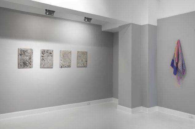 Installationsview fra udstillingen Ny Ung Kunst, Gallery Martin Asbæk, 2014. Foto: David Stjernholm