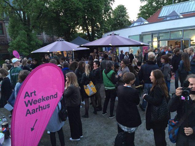 Art Weekend Aarhus bød på flere fester og arrangementer, herunder den store åbningsfest som blev afholdt på Kunsthal Aarhus. Foto:
