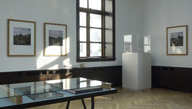 Installationsview fra udstillingen Krass Clement & the Photobook, 2016. Foto: Banja Rathnov Galleri & Kunsthandel
