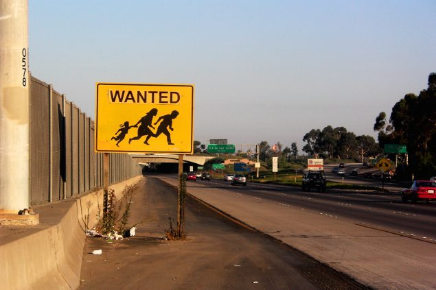 Camilo Ontiveros: CAUTION.WANTED, 2005. Courtesy: Kunstneren