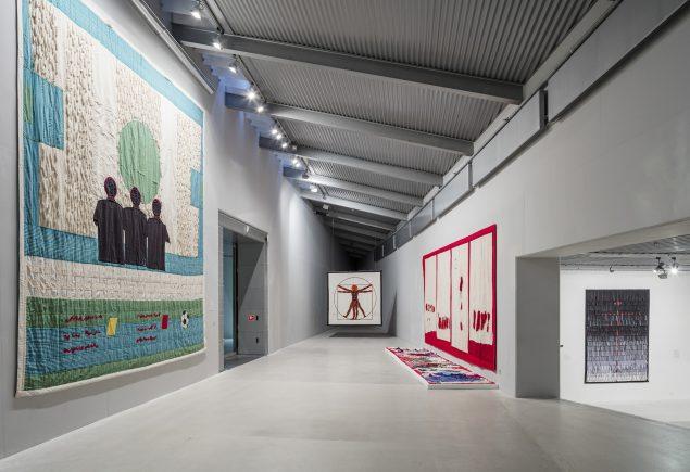 Installationsview, Abdoulaye Konaté, 2016. Arken, pressefoto.