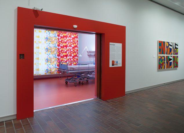 Installationsview fra Poul Gernes – Jeg kan ikke alene, vil du være med?, 2016, Louisiana. Foto: Poul Buchard/Brøndum & Co. Credit: Louisiana Museum of Modern Art.