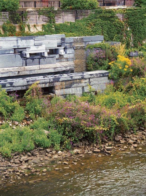 Grand Rapids Sculptural Flood Wall, Michigan. Foto: David Stansbury. Courtesy: Michael Singer Studio