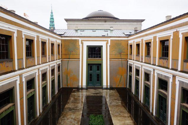 Thorvaldsens Museums smukke gård, hvor Nøne Futbol Club vil opføre deres værk Work nº844: Carousel. Foto: Thorvaldsens Museum