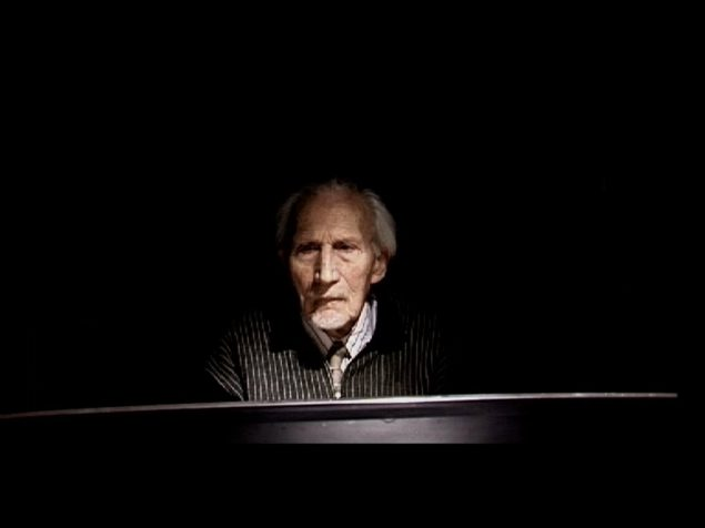 Vladimir Tomic: The Pianist, 2004. Video still. © Vladimir Tomic