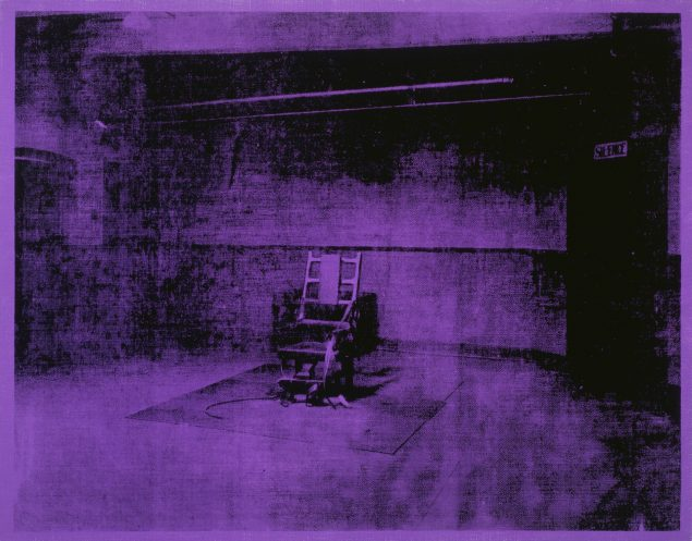 Andy Warhol: Little Electric Chair, 1964-65. Acrylic and silkscreen ink on linen, 55,9 x 71,1 cm (22 x 28 in.) Collection of The Andy Warhol Museum, Pittsburgh © 2016 The Andy Warhol Foundation for the Visual Arts