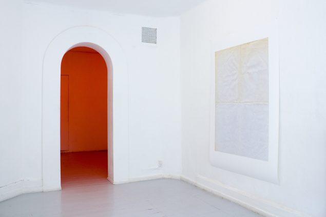 Installationview fra udstillingen One and Three Monochromes, 2015, C4-Projects, København. Foto: A. Ramdas