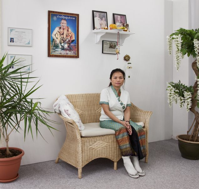 Jens Haaning: Thai Body Massage, 2010, Kunsthal Nord. Installationsview. Foto: Dorte Krogh