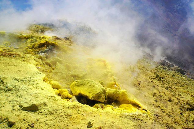 Svovludvinding - udsnit af Sulfuric Gas Tableau. Foto: Rosenmunthe & Von Platen