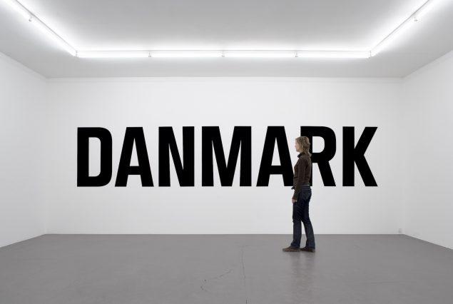 Jens Haaning: Danmark, 2005, Galleri Nicolai Wallner. Installationsview. Foto: Anders Sune Berg