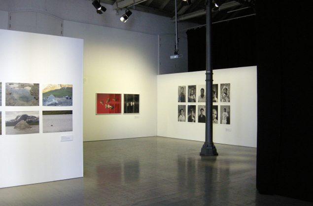 Installationsview, Bending the Frame, 2016. Fotografisk Center. Foto: Matthias Hvass Borello