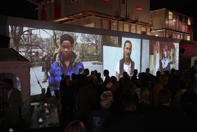 Charlotte Haslund-Christensen: HOPE & FEAR, 2016. Premiere på videoinstallationen på Kongens Nytorv i forbindelse med Copenhagen Art Week. Foto: Kåre Viemose