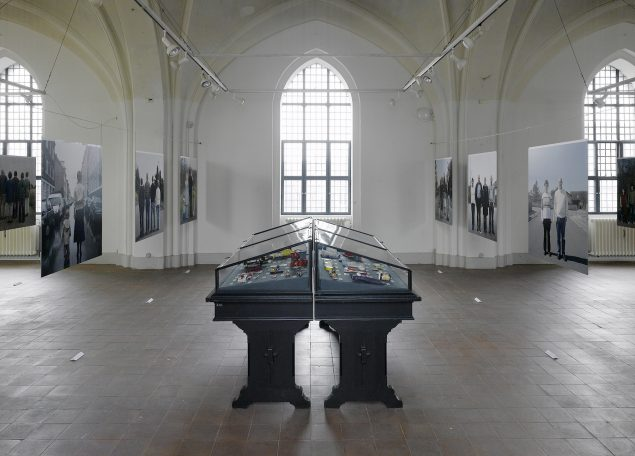 Installationsview fra udstillingen De Indfødte/Natives: The Danes, 2008. Nikolaj Kunsthal. Foto: Anders Sune Berg