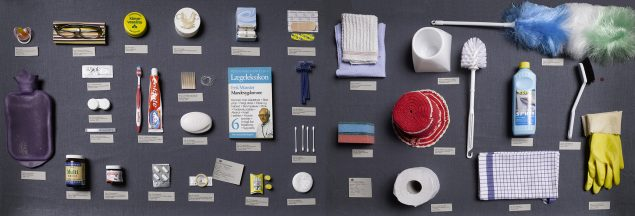 Danske genstande fra udstillingen De Indfødte/Natives: The Danes, 2008. Nikolaj Kunsthal. Foto: Anders Sune Berg
