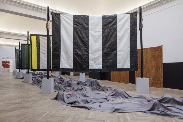 Moshekwa Langa: Mine. Installationsview, Kunsthal Charlottenborg, 2016. Foto: Anders Sune Berg.
