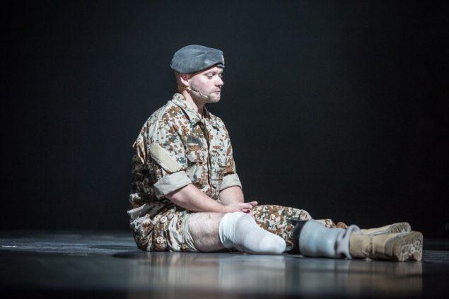 I føling, 2016 på Teater Sort/Hvid.