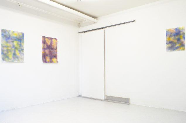 En af de udstillende kunstnere har senest været Anders Bülow, der med forskellige metoder fornyer papiret som kunstnerisk medie. Foto: Søren Hüttel