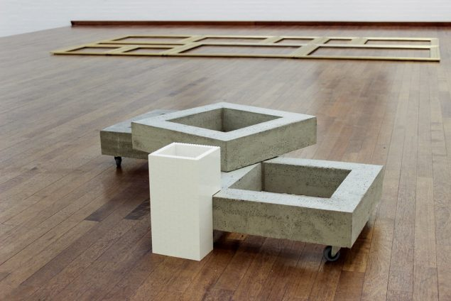 Lene Desmentik: Atrium, 2016. Beton, træ, hjul og lego, variable. Foto: Lene Desmentik