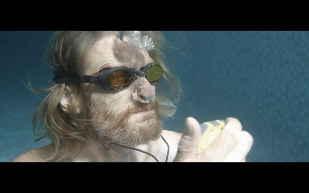 Still fra Louise Hervé og Chloé Maillets video Waterway, 2013