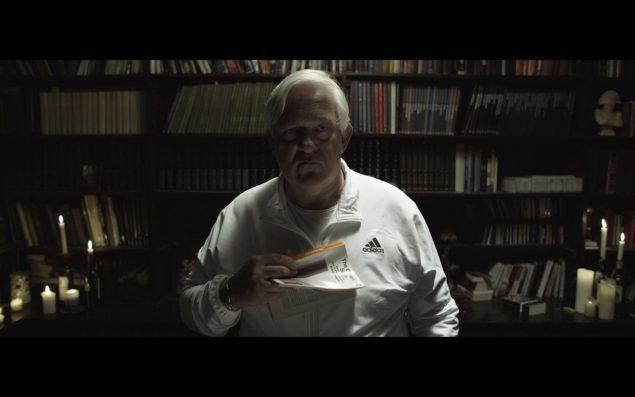 Still fra Nathaniel Mellors' videoinstallation Ourhouse, 2015