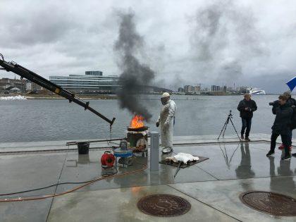 A Kassen skaber bronzeskulptur i Køge Havn