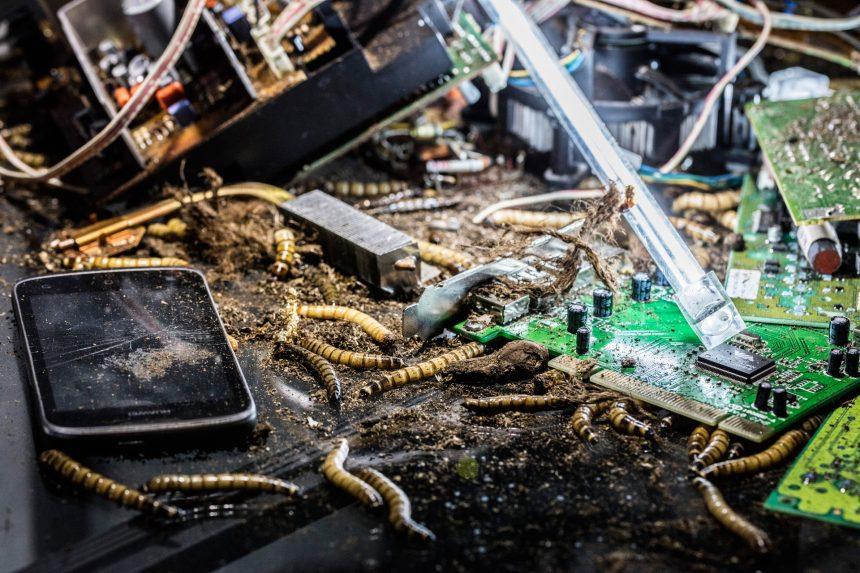 Fortidens hysteri og fremtidens elektronikaffald