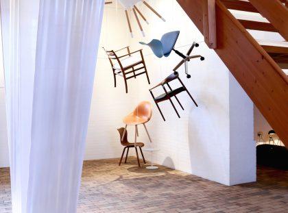 Møbeldesign og installationskunst mødes i Grenaa