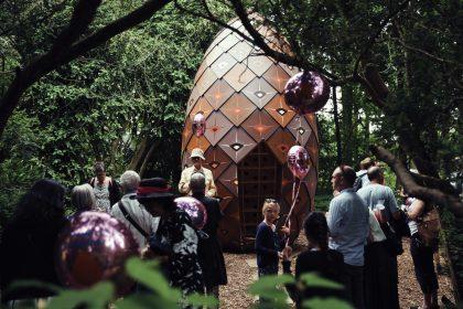 Kæmpekogle i Ordrupgaards kunstpark
