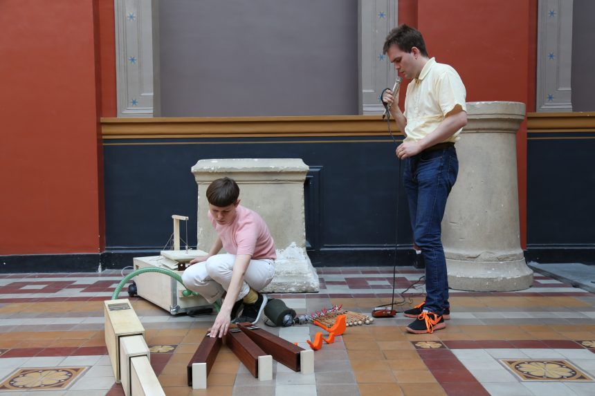 LYDKUNST/Cph Art Week #3: Portable Organs af Ragnhild May og Kristoffer Raasted