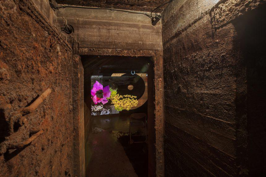 Når en kunstner indretter sig i en vestjysk bunker
