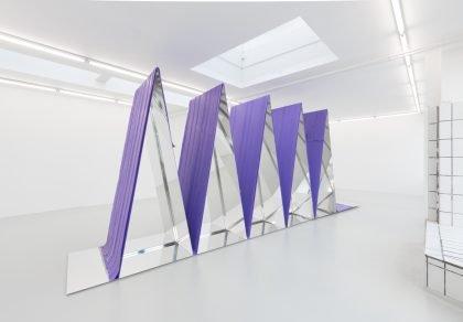 Gallerirevy København: Lille spejl på væggen dér…
