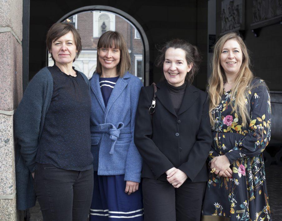 Hæder til fem kvindelige billedkunstnere