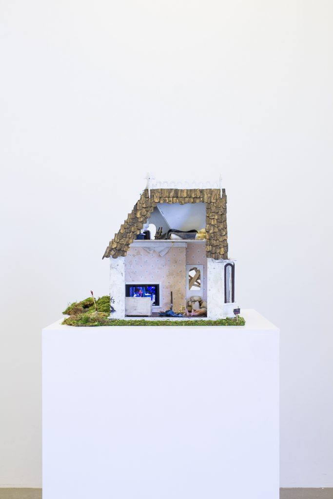 Graham Wilson, A Pyg In A Poke (Dollhouse), 2018. Foto: Galleri Jacob Bjørn
