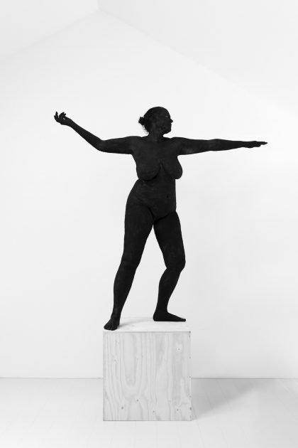 Kirsten Justesen: SOKKEL STYKKER/BASE & BODY – Faaborg Museum