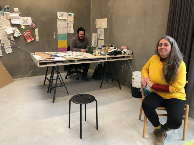 Chico Togni og Kadija de Paula i værkstedet på Maltfabrikken. Foto: Maltfabrikken.