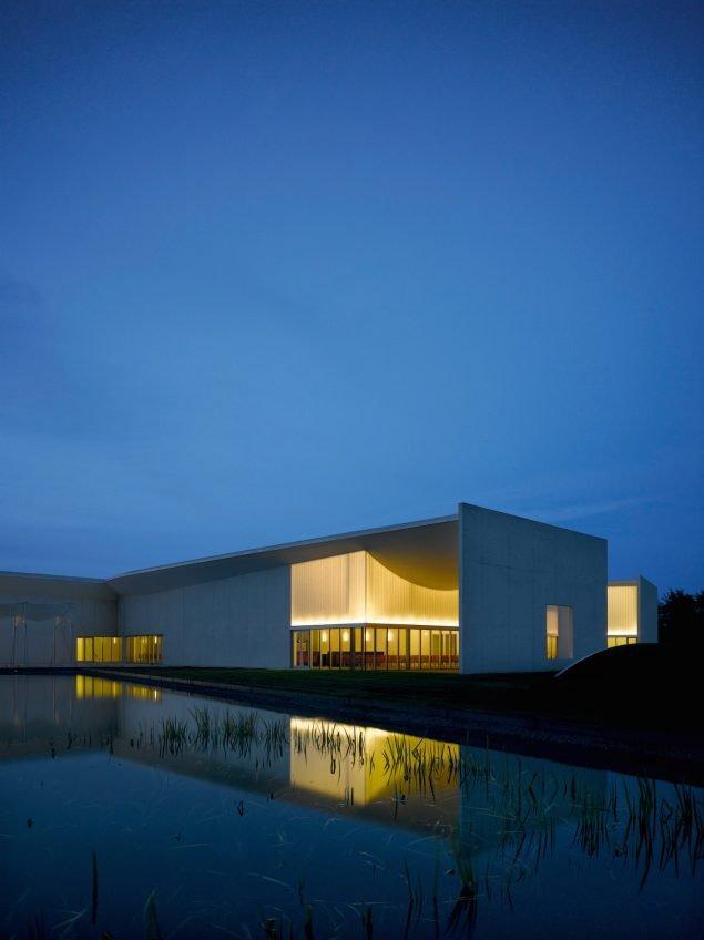 Kunstmuseet HEART. Foto: Roland Halbe.