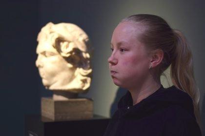 Billedreportage: Unge kunstnere laver uventede performances i København