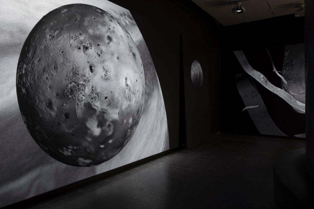 ugens kunstner Marie Kølbæk Iversen Måneudstillingen på Louisiana