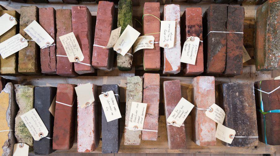 Birgitte Ejdrup Kristensen fører samtaler om mursten