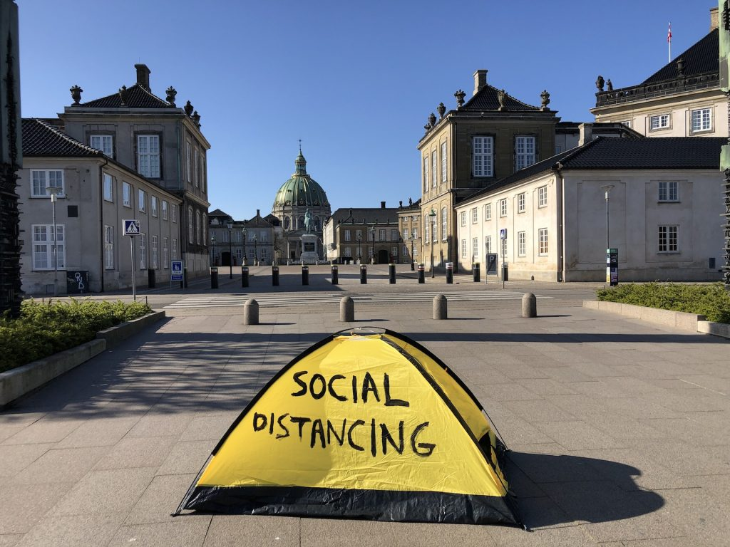 Thierry Geoffroy/Colonel Social distancing