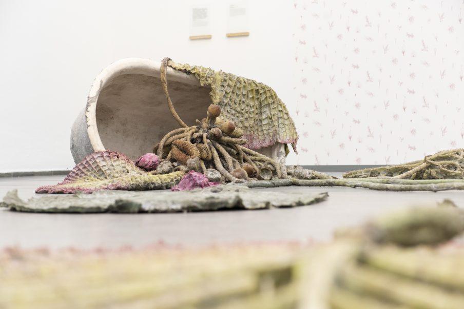 'Blomsterudstilling' på Randers Kunstmuseum sætter højaktuelle temaer til debat
