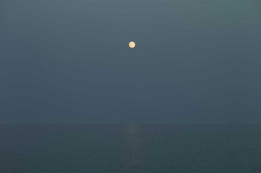 © Morten Andenæs_Månen-havet og jeg (The Moon-the ocean and I)_2017