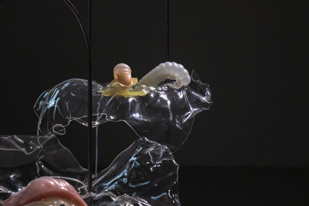 Studio ThinkingHand Intertidal Synthesis installation film og mixed media 2019