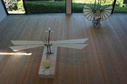 Charlotte Petersen: Fred- og Frihedsmaskine. 2011 og Treenighedsmaskine. 2002