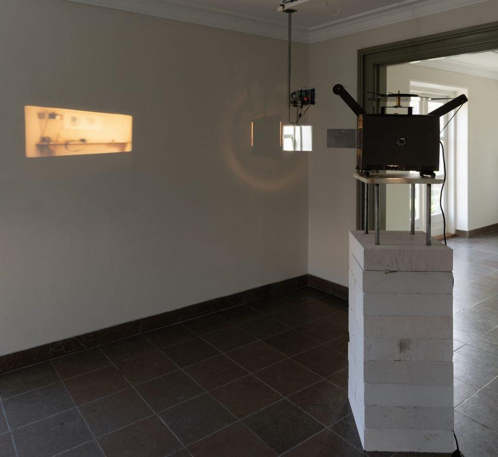 Tinne Zenner & Eva la Cour: Near real-time reflections. Foto: David Stjernholm.