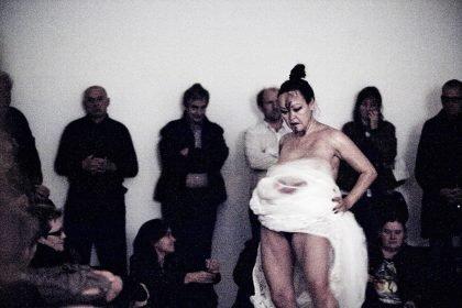 Jessie Kleemann: Performances med tråd og sælspæk