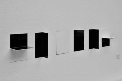 """Læserbrev af Hein Heinsen: Kunstinstitutionen og Elle-Mie Ejdrup Hansens """"Fredsskulptur"""" 1995"""