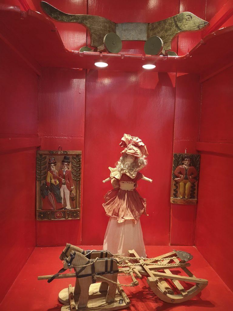 Installationsfoto. Foto: Museum Ovartaci.