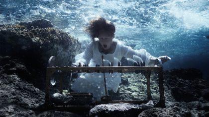 Undervandsmusikere drukner EU's hymne på bunden af havet